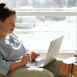 funktionsnedsättning och funktionshinder assistansmatchning - tjej med downs syndrom